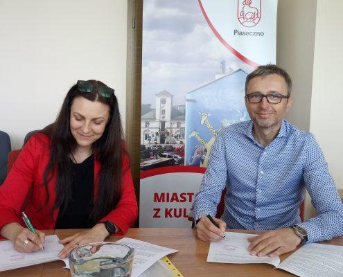 Burmistrz Widz i Grażyna Piotrowska